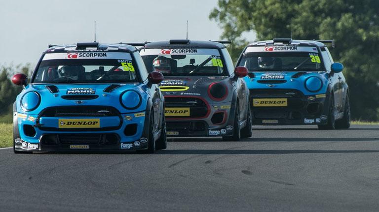 SNETTERTON RACE 1 REPORT