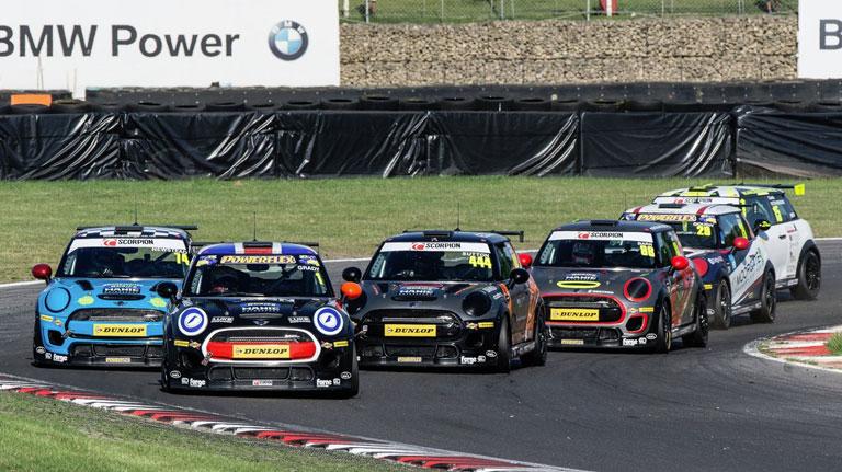 BRANDS HATCH JCW RACE 3 REPORT