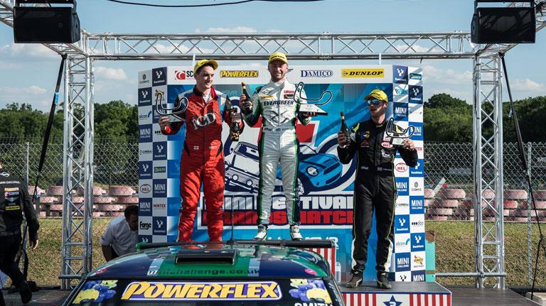 BRANDS HATCH JCW RACE 1 REPORT