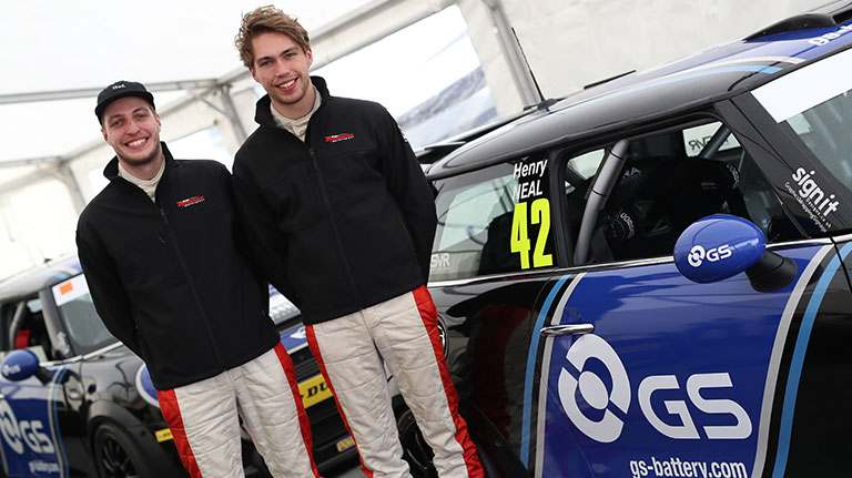 TEAM DYNAMICS RETURN TO THE MINI JCW CHALLENGE