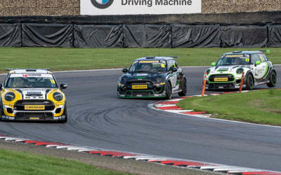 BRANDS HATCH MINI FEST JCW RACE 1 REPORT