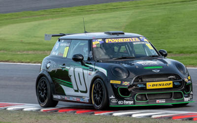 BRANDS HATCH MINI FEST JCW RACE 2 REPORT