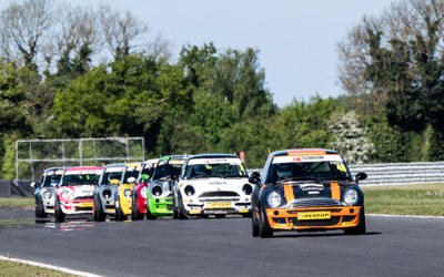 COOPER CLASS ROUND 2 AT OULTON PARK