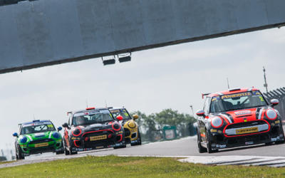 PALMER BAGS MAIDEN WIN IN THRILLING SILVERSTONE RACE