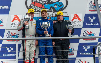 COOPER S RACE REPORTS FROM THE 2019 BRANDS HATCH MINI FESTIVAL