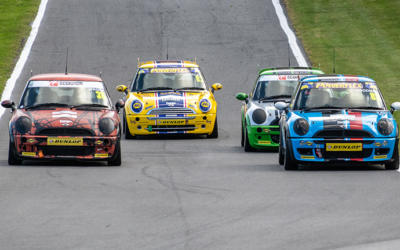 COOPER CLASSES ROUND 5 AT CADWELL PARK SHOWED GREAT RACING