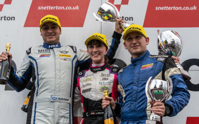 COOPER CLASSES RACE REPORTS FROM SNETTERTON 300