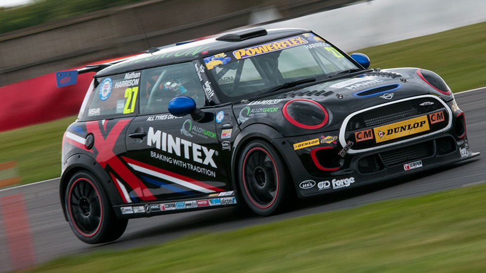 HARRISON SNEAKS AHEAD IN VITAL SNETTERTON QUALIFYING