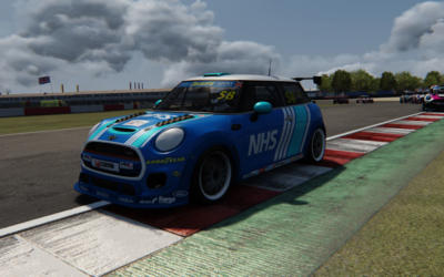 MARSHALL LEADS THE WAY IN FIRST MINI CHALLENGE UK ESERIES ROUND