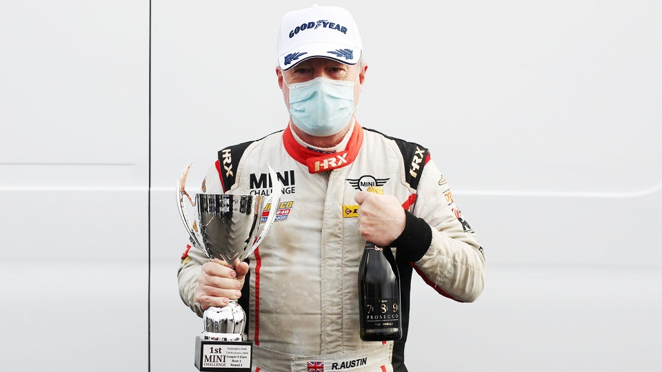 AUSTIN AND HILLERY WIN OPENING DONINGTON RACE