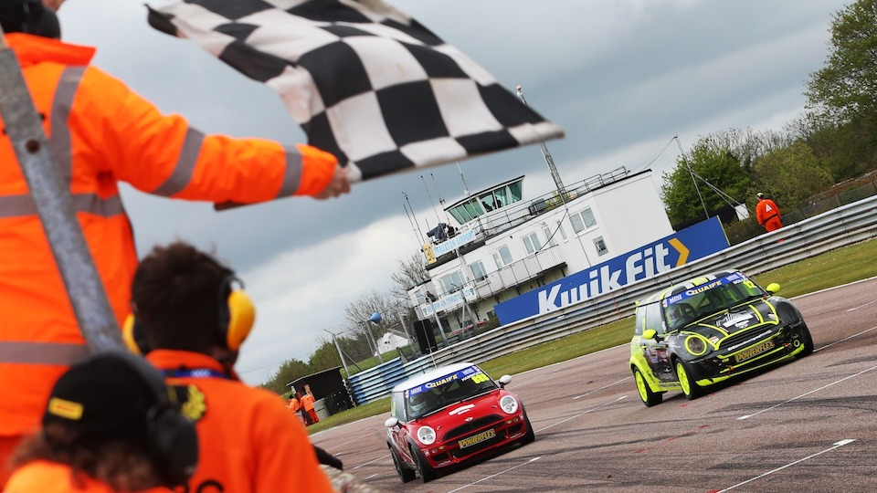 ALEX SOLLEY OPENS WIN ACCOUNT IN THRUXTON FINALE