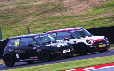 LEWIS SAUNDERS PROVISIONALLY DECLARED RACE TWO WINNER AT OULTON PARK