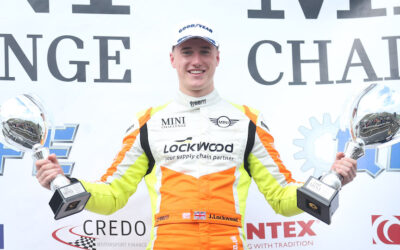 JASON LOCKWOOD 'OVER THE MOON' WITH KNOCKHILL WEEKEND